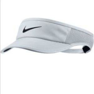 Nike Featherlight visor